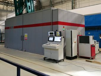 Safety covering of power laser workplace